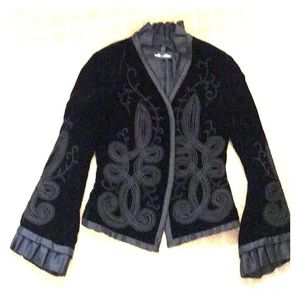 Carmen Marc Valvo signature black velvet jacket